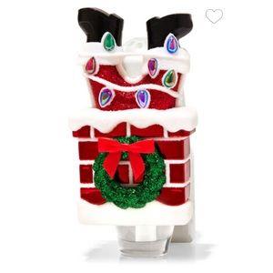 BBW Santa In Chimney Wallflower